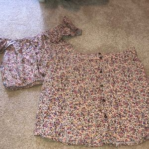 2 Piece Floral Matching Set. Size small.